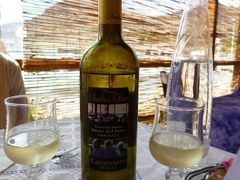 16日間の美食とビーチバカンスのシチリア!Vol65(第10日目昼) ☆エガディ諸島:ファヴィニアーナ島(Favignana) ファヴィニアーナ港のトラットリア「AMICI-DEL-MARE」でランチを頂く♪
