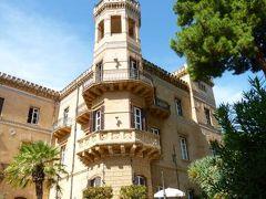 16日間の美食とビーチバカンスのシチリア!Vol93(第13日目昼) ☆パレルモ(Palermo):パレルモのゴージャスなホテル「Hilton Villa Igiea」のジュニアスイートルーム♪
