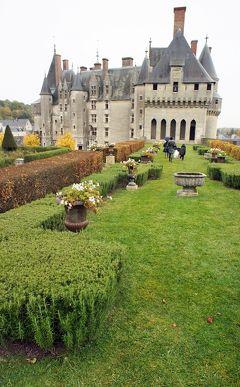 晩秋のロワール渓谷古城巡り(6)小さな城下町の城塞「ランジェ城」でシャルル8世とブルターヌ女公アンヌとの結婚式に立ち会う。