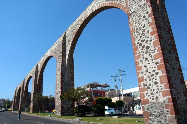 デルタ航空のバーゲン価格航空券、HND-LAXが税込みで7万円!<br />LAX-MEXはマイル特典で、超格安メキシコ旅★<br />メキシコ政府観光局が定めた「Pueblos Magicos de Mexico(魔法のように魅惑的な町)」とメキシコでも有名なパワースポットを巡ってみました。<br />プエブロ・マヒコに選ばれるのは、メキシコらしい「象徴性」、「伝説」、「歴史」、「重要なイベント」、「人々の生活」などがある、魅力的で素晴らしい観光体験ができる場所ということです。<br /><br />●ケレタロQueretaro<br /><br />【世界遺産】<br />・ケレタロの歴史史跡地区1996文化遺産<br /><br />--作成中--
