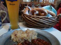 ニュルンベルクとバンベルクのクリスマス旅♪ Vol28(第3日目昼) ☆ニュルンベルク 世界最古のソーセージレストラン「Zum Golden Stern」で美味しいビールとニュルンベルガーを頂く♪