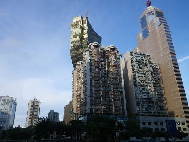 友人と二人でいってきた香港・マカオ。<br />2011年は国内外で色々ありすぎて、正直海外旅行にいけるのかどうか怪しかったけど、<br />激務の合間をぬっていってきました。<br />しかし、この旅行は「事件」が多すぎたな…。