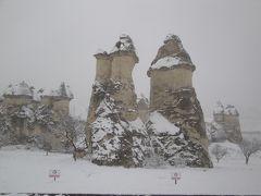 カッパドキアに雪が降る