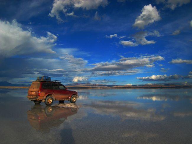 """母さんの一人旅♪""""湖めぐり チリ国境までの1000kmドライブ そして再びウユニ塩湖へ""""の巻 ボリビア3-4日目 鏡面のウユニ塩湖を一人歩き、鏡像の君と出会う"""