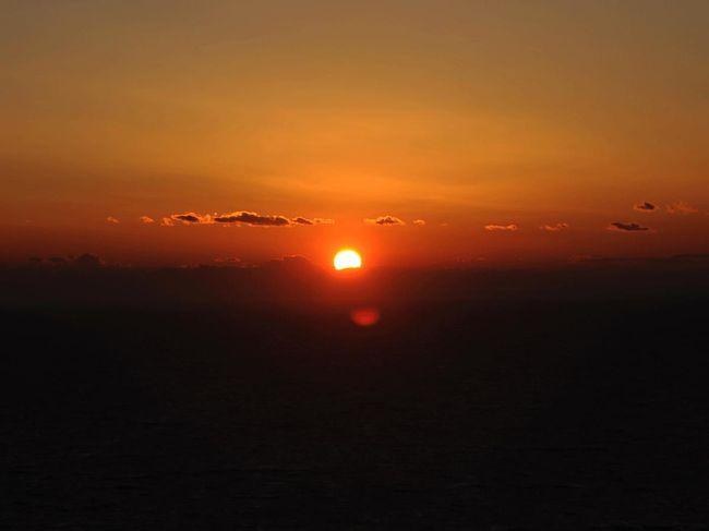 昨日、堂ヶ島で撮った夜景が何となく気に入らなかったので再び来ました。<br />でも、突然決めたので堂ヶ島まで行く時間がありません。<br />迷いながら沼津市内を海岸線沿いに走っていました。<br />「そうだ、戸田へ行こう!」<br />途中から戸田行きに変わりました。<br />そして…。<br /><br />★沼津市役所のHPです。<br />http://www.city.numazu.shizuoka.jp/index.htm<br /><br />※撮影時間に(FUJI)は、撮影したカメラが富士フイルム FinePixF50fdで、ないものは、ニコンD700で撮影しました。