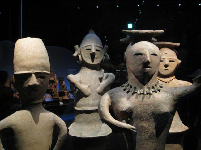 国立九州博物館で「聖地チベット」の特別展示がされていたので、福岡へ行く。 <br />ついでに対馬へ行こう!<br />JR西の株主優待券も期限切れが迫っているし…