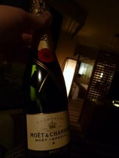冬の福岡ザ・ルイガンズで優雅に過ごす♪ Vol8(第2日目:夜) ☆ザ・ルイガンズのスイートルームでシャンパンタイム♪
