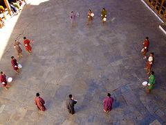 2011年ブータン旅行(1)ブムタンへの道
