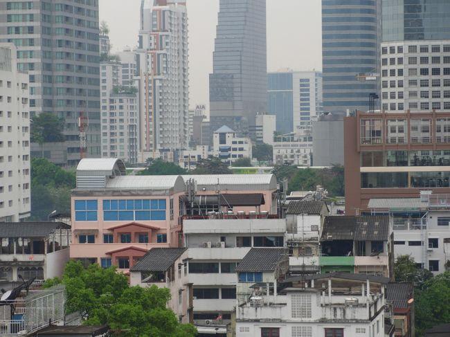 プーケットからの帰りに再び、バンコクに滞在。上海へ帰る前だったのでゆっくりホテルで過ごしました。宿泊したアナンタラホテル、なんと1泊7,100円!!(2ベットルーム、朝食付)、家族4人でこの価格には大満足でした。