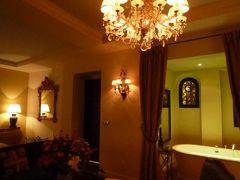 春の優雅なコートダジュール旅♪ Vol95(第8日目夜) ☆エズ(Eze):古城ホテル「Chateau Eza」のスイートルームで夜景を愛でながらくつろぐ♪
