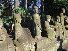 喜多院の五百羅漢は整然と並んでいました。