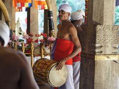 20120131 キャンディ 仏歯寺 日中の参拝と、夜のライトアップ