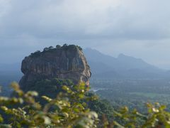 20120206 シーギリヤ ピドゥランガラの岩山登り