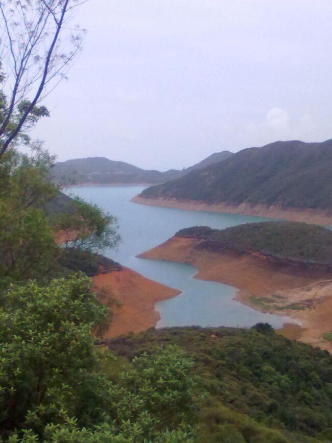 2008 10 香港らしからぬ風景 ①西貢ハイキングコ-スの裏側コ-スへ行きました。西貢西湾路 6時間半のウォ-キング 最後は体力の限界でした。