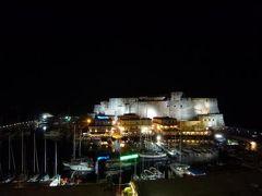 初夏のイスキア島で優雅なバカンス♪ Vol2(第1日目夜) ☆ナポリ:「グランド・ホテル・サンタ・ルチア」のジュニアスイートルーム♪