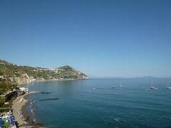 初夏のイスキア島で優雅なバカンス♪ Vol16(第3日目午後) ☆イスキア島サンタンジェロ:「パーク・ホテル・ミラマーレ」のプライベートビーチで優雅に過ごす♪