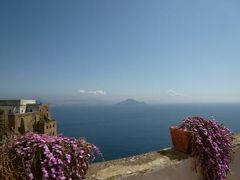 初夏のイスキア島で優雅なバカンス♪ Vol32(第5日目午前) ☆プローチダ島:Castel Vascelloの修道院「San Michele」から素晴らしい眺めを楽しむ♪そして宝物館を鑑賞♪