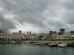 初夏のイスキア島で優雅なバカンス♪ Vol58(第8日目午前) ☆イスキア島サンタンジェロからタクシーチャーターでフォリオへ♪フォリオから高速船でナポリへ♪