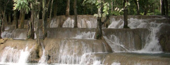 ルアンプラバン モン族集落〜Tat-Sae滝