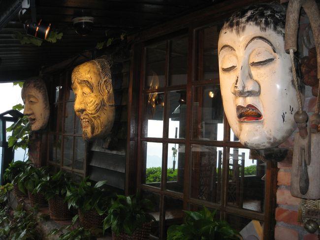 4日間の旅行でしたが、最終日は早朝出発だったので実質2日ちょっとの自由時間。<br /><br />その中で台北の寺院、博物館、夜市、101、動物園めぐりに九イ分まで足を延ばしてお茶体験。<br /><br />その上マッサージ体験やグルメ、ショッピングまでとても欲張りな旅行でした。<br /><br />皆のリクエストに応えてプランを練った現地駐在の義兄のおかげで、沢山体験出来て満喫の旅でした。<br /><br />☆到着初日から夜遅くまで遊びました♪