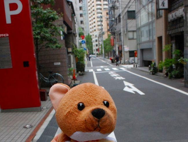10時~九段下でインプレスホールディングスさんの株主総会、13時~横浜スタジアムで神奈川県野球フェスティバル2012(第4回社会人-大学対抗試合)ということで、がっつり両方行ってきました。<br /><br />年々、ダラダラになっていく株主総会と、まったりした雰囲気の中で開催される試合。<br />たまには、こんな1日もいいですね。<br />野球を見ながら、すき家のあいがけカレーとビールを飲んで、心の栄養になりました。<br /><br />2006年のインプレスの株主総会(http://www42.tok2.com/home/chifu19/sokai14.html)は、落語もあって毎年素敵な総会でしたが、だんだんおとなしくなっていきますね。。。<br /><br />