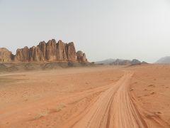 中東のイメージが変わる?ヨルダン縦断の旅2(ワディ・ラムでベドウィンキャンプ&4WD爆走編)