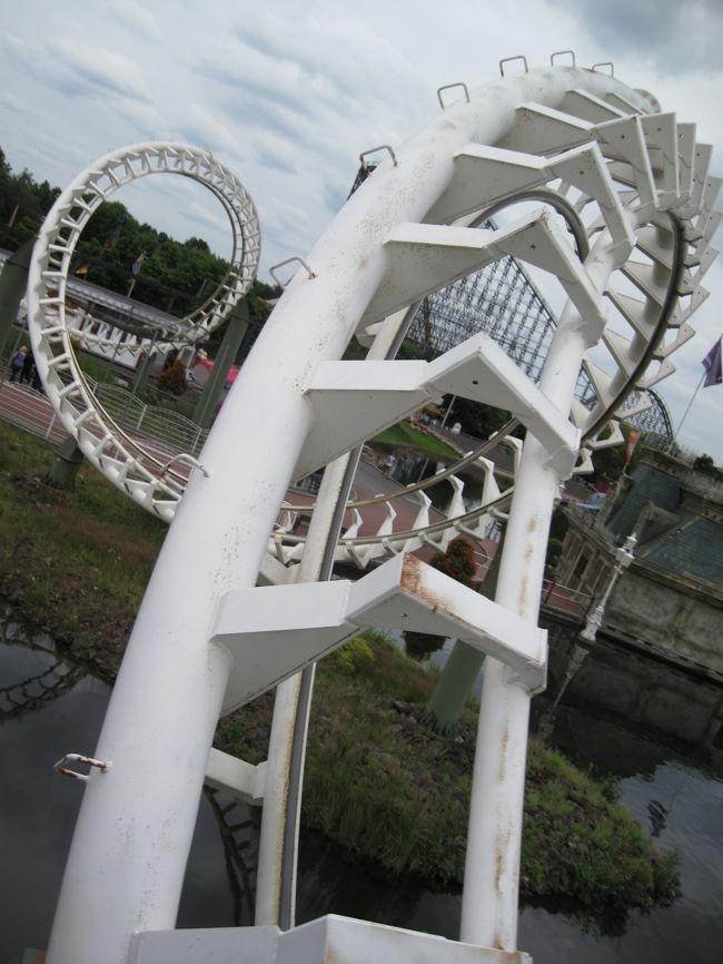 2012年7月2日<br />ハイデパーク・ソルタウ遊園地<br /><br />今回は子連れで。<br /><br />ここの遊園地は絶叫系コースターが充実していて<br />大人も十分楽しめますが、<br />まだそういうのに乗れない小さな子達でも<br />楽しめるものがたくさんありますヨ。