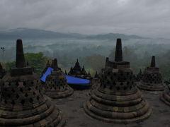 インドネシア  常夏の国の仏教遺産 ボロブドゥール 2010初夏