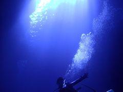 2012,6月 ロタホールの水中で、飛んでみたい♪