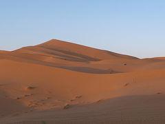 モロッコ旅行でははずせない、メルズーガの砂漠キャンプ!