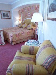 優雅なポルトガル旅・憧れのマデイラ島でバカンス♪ Vol46(第4日目昼) ☆リスボン:優雅なホテル「ラパ・パレス」の豪華なスイートルーム♪
