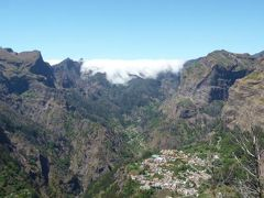 優雅なポルトガル旅・憧れのマデイラ島でバカンス♪ Vol67(第6日目午後) ☆マデイラ島エイラ・ド・セラード:「Eira do Serrado」から雄大なパノラマ!美しい山岳と秘境の村を眺めて♪