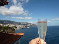 優雅なポルトガル旅・憧れのマデイラ島でバカンス♪ Vol84(第7日目午後) ☆マデイラ島フンシャル:「クリフ・ベイ」のスイートルームのテラスで日光浴とシャンパン♪