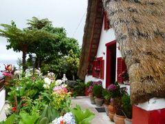 優雅なポルトガル旅・憧れのマデイラ島でバカンス♪ Vol91(第8日目午後) ☆マデイラ島サンタナ:「Santana」の伝統家屋は茅葺!西洋のおとぎのような合掌造りは「A」と呼ばれる♪
