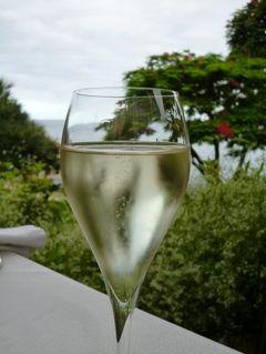 優雅なポルトガル旅・憧れのマデイラ島でバカンス♪ Vol108(第9日目午後~夜) ☆マデイラ島フンシャル:午後は高級ホテル「クリフ・ベイ」でアフターヌーンティー・スパ・エステを楽しんでスイートルームくつろぐ♪ディナーはミシュラン星付きレストラン「Il Gallo d'Oro」優雅に頂く♪