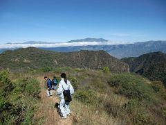 チェ ゲバラの縁の地周辺の風景−アンデス山脈-南米ボリビア国 #3