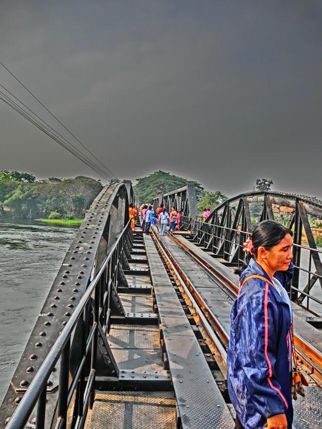 2012年9月14日(金)更新<br /><br /><br />第29日目・2012年2月2日(木)<br /><br /><br />カンチャナブリー3日目、今日は「戦場に架ける橋」で有名な「クウェー川鉄橋」に出かけます。<br /><br /><br />