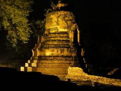 タイ 蚊に刺されてもどうしても見に行きたい。アユタヤ寺院のライトアップ 2012秋