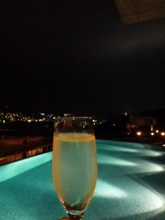 初秋の優雅な長崎の旅♪ Vol14(第2日目夜) ☆「ガーデンテラス長崎」のプールサイドでシャンパンを頂きながら夜景を楽しむ♪
