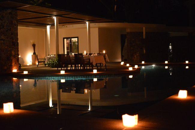 2012年の最後はアマンリゾートで!<br /><br />今年はビーチリゾート三昧だったので、最後はちょっと志向を変えてビーチリゾートとは無縁の旅行をする事に(^^)<br /><br />そこで選んだ今回の行先は、多くの人が一度は見てみたい!という世界遺産「アンコール・ワット」があるカンボジア☆<br /><br />ホテルは、サンスクリット語で「平和」を意味する「Aman」と、ヒンドゥー教で「天女」を指す「アプサラ」の「Sara」に由来して名づけられたamansara(アマンサラ)<br /><br />アマンサラは、アマンリゾートが得意とするビーチリゾートや郊外の秘境にあるのではなく、シェムリアップの町の中心部に位置していて、アンコール遺跡群観光にも便利なロケーション。<br /><br />つまり、アマン初のシティリゾートホテルなんです!では・・・