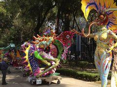 日本のお盆と同じように先祖を供養するメキシコの伝統の祝日~死者の日~にメキシコシティへ行って来ました 2012年10月