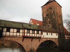 ドイツを巡る「冬の旅」:クリスマスの朝の静かな散策。。。城壁の街ニュルンベルグ