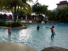 18.年末年始のシンガポール4泊7日 ハードロック ホテル シンガポールの朝のプール