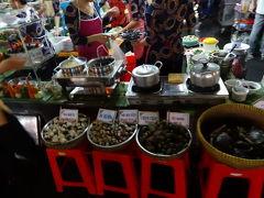 ベトナム ホーチミン 日没後のベンタイン市場 2013冬