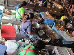 [Nakhon Pathom in Thaland] Rampayar Floating Market along Tarchin River