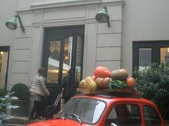パリの街歩き。おしゃれなお店がいっぱい。