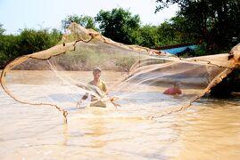 Cambodia クメールの微笑み (27/33)  シェムリアップ  トンレサップ湖の人々(1月28日)