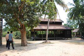 Cambodia クメールの微笑み (31/33) シェムリアップ アンコール・クラウ村と学校(1月29日)