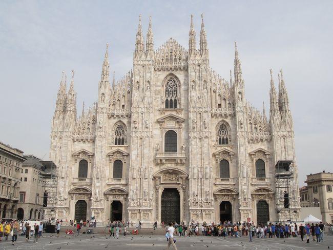 <br />2012年7月〜10月までの、3か月のヨーロッパ周遊記録(Vol.55)です。<br />現在、9カ国目イタリアを周遊中です。<br /><br />長かかったイタリアも、いよいよ最後の街を迎えました。ファッションの発信地、ミラノに到着です。おしゃれ好きにはたまらない街なのでしょうが、ブランドやファッションにこだわりのない私はミラノ風カツレツを楽しみにやってきました!<br />写真はドゥオーモです。<br />※1ユーロ=100〜104円<br /><br />