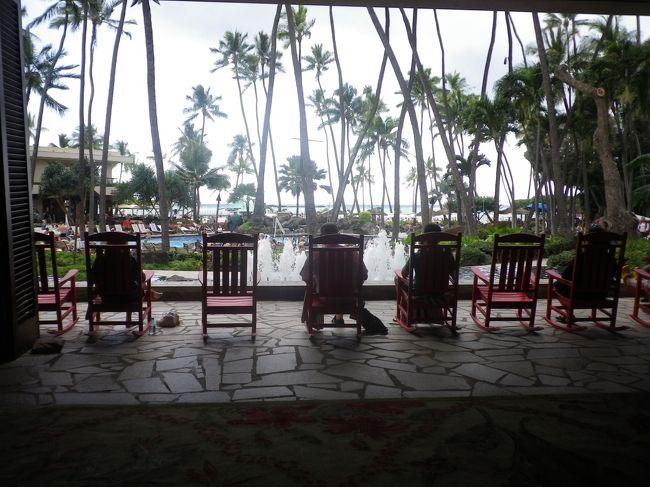 殆ど興味の無かったハワイでしたが<br />一昨年の初ハワイ以来、<br />すっかりハワイマジックにかかってしまい<br />爽やかな空気に包まれたくて再び渡ハしました。<br /><br />今回はオアフ島一島にし<br />ノンビリ気ままに<br />予め予定をして来た行き先を当日の天候を考慮し決行する事にし<br />オアフ島全土を網羅する唯一の交通機関THE BUSやトロリー利用<br />また人並みにショッピングも楽しみました。<br />